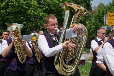 Fotoalbum Umzug Bezirksmusikfest 2019 in Obenhausen
