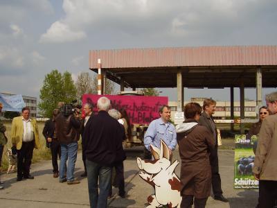 Foto des Albums: Naturschützer der Interessengruppe Pro Schwein (27.04.2008)