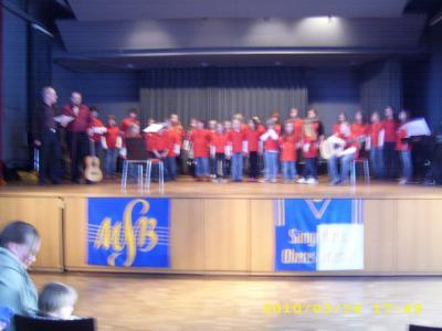 Fotoalbum Kinderchorkonzert in der Burgberghalle Battenberg