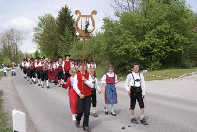 Foto des Albums: Festgottesdienst & Festumzug (09.05.2010)