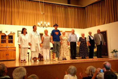 Fotoalbum Sommertheater 2010: Familie Metzger spielt verrückt