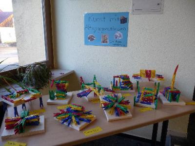 Fotoalbum Kunst im Schulgebäude