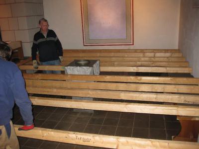 Fotoalbum Aufbau der Weihnachtskrippe in der kath. Pfarrkirche St. Maria Magdalena in Gebhardshain