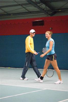 Foto des Albums: Anna Zaja im Dezember in der Tennishalle des TC Rot Weiss (23.01.2011)