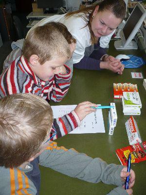 Fotoalbum Apothekenbesuch 2010 2. Klasse
