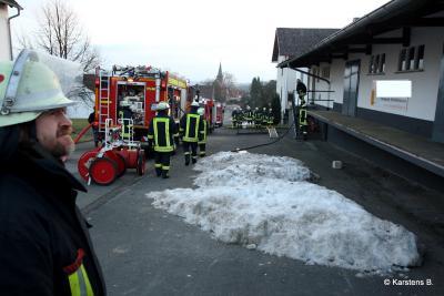 Foto des Albums: Schwelbrand in Lagerhalle in BTG Laisa (21.01.2011)