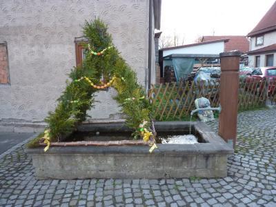 Fotoalbum Osterbrunnen in der Gemeinde Rhönblick