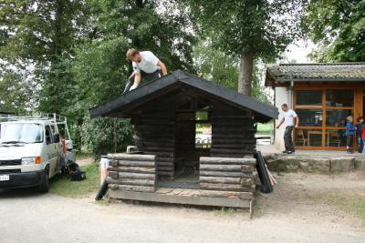"""Foto des Albums: Aktion """"Handwerk hilft Kindern"""" - Ferienwaldheim in Degerloch (30.08.2011)"""