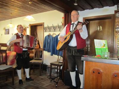 Fotoalbum Volksmusikfest in Weißenbrunn und Hummendorf