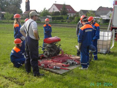 Foto des Albums: Training der Jugendfeuerwehr Falkenhagen für Löschangriff am 21.05.10 Fotos: FF Falkenhagen (21.05.2010)