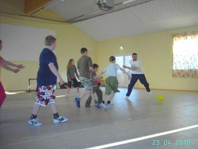 Foto des Albums: Jugendfeuerwehr Falkenhagen mit Fitnessprogramm für Amtsausscheid 2010 11Fotos (23.04.2010)