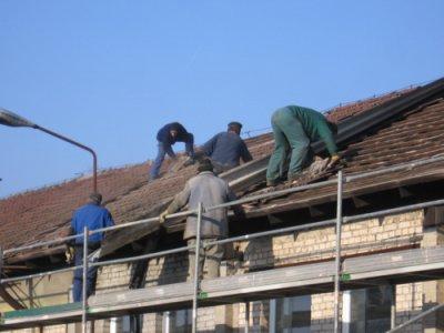 Foto des Albums: Unsere Vereinshalle bekommt neues Dach (15.02.2012)
