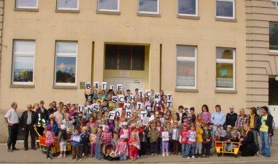 Fotoalbum Völpke schmückt sich - Das ganze Dorf steht hinter seiner Grundschule