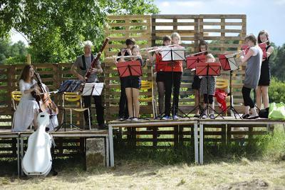 """Fotoalbum """"Das Kind und die Zauberdinge"""" Dorf macht Oper am 15.und16. Juni 2013 in Klein Leppin."""