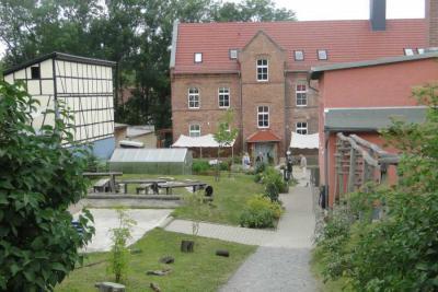 """Fotoalbum Offene Höfe und Gärten 2013 in der Kita """"Spatzennest"""" mit Ausstellung"""