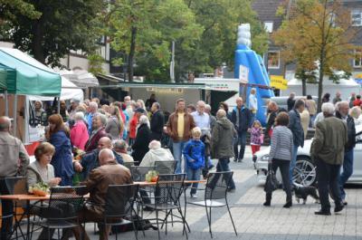 Fotoalbum Herbstmarkt und 25. Automeile mit verkaufsoffenem Sonntag