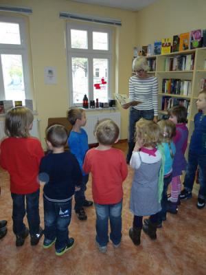 Fotoalbum Kindergarten Apfelbäumchen zu Besuch in der Bibo