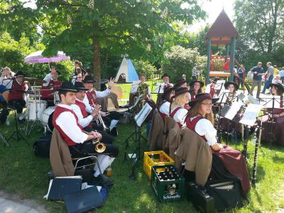 Foto des Albums: Frühlingsfest in der Kindertagesstätte St. Geog und Wendelin in Lindenberg (24.05.2014)