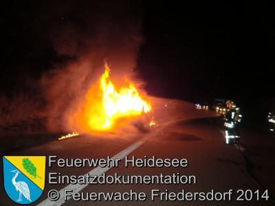 Fotoalbum Einsatz 59/2014 am 13.10.2014 > PKW in Vollbrand auf der BAB 10