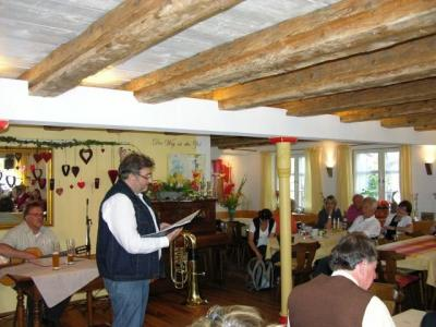 Fotoalbum Lesung April, April im Ritter in Laimnau