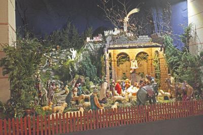 Fotoalbum Weihnachtskrippe 2014 in der Kath. Pfarrkirche