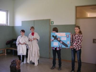 Foto des Albums: Theaterstück König Artus 27.03.2015 (04.04.2015)