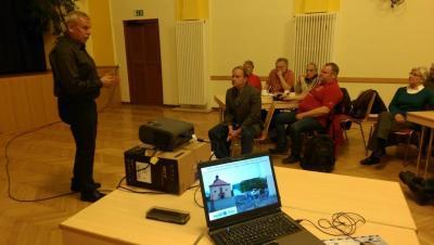 Fotoalbum Vortrag zu Ausgrabungen auf dem Dorfplatz