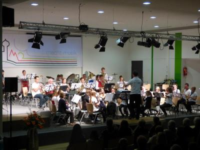 Foto des Albums: Frühjahrskonzert des Musikvereins Frohsinn Lindenberg und der Jugendkapelle Buchloe-Lindenberg (25.04.2015)