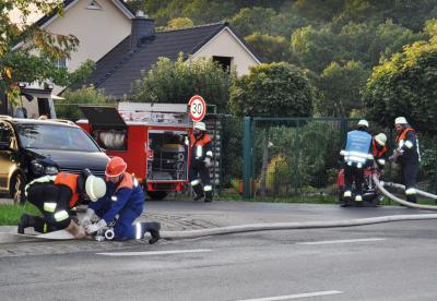 Fotoalbum Fünf Feuerwehren beim Brand einer Schreinerei -