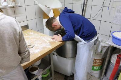 """Fotoalbum Konfirmanden bei der Aktion """"5.000 Brote"""" zur Lichterkirche in Hinsdorf"""