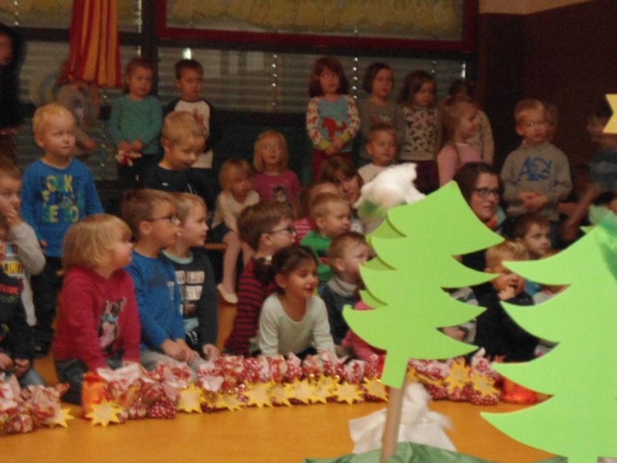 Allerkleinste Tannenbaum.Kath Kindergarten St Marien Löningen Der Allerkleinste Tannenbaum