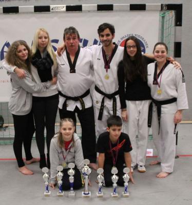 "Fotoalbum Herdorfer Budo-Sport Team glänzt beim ""SHARKS-CUP 2015"""
