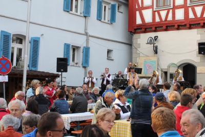 Fotoalbum Neuer Wein und Zwiebelkuchen 2015