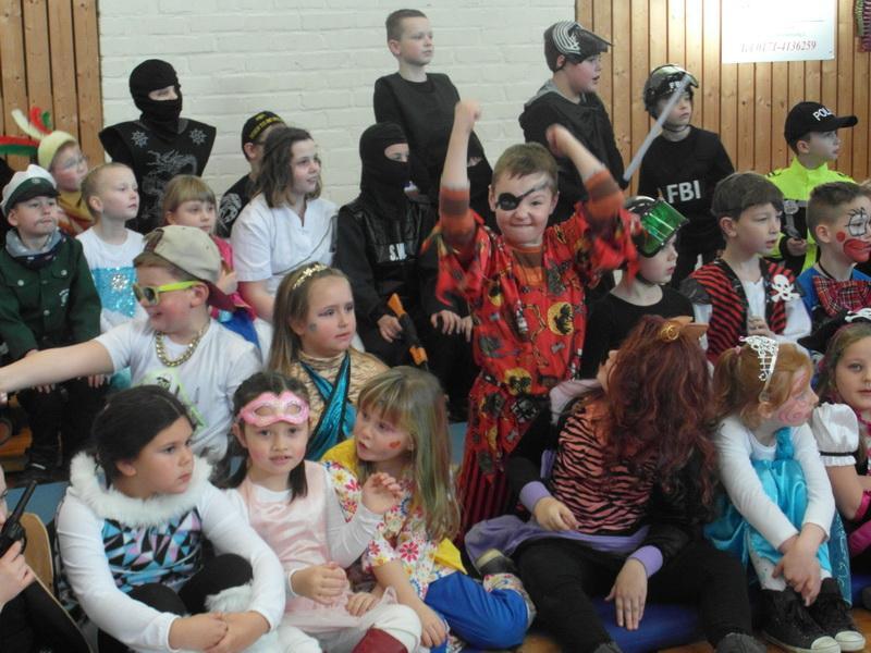 Grundschule Vier Jahreszeiten Egeln Im Dschungel Fasching In Der