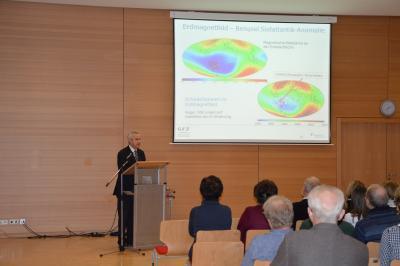 """Fotoalbum Vortrag """"Planet Erde"""" von Prof. Dr.  Dr. Hüttl"""