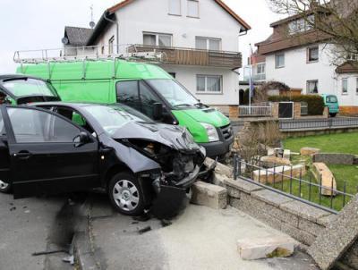 Fotoalbum Öl nach Verkehrsunfall - Auf der Hohl