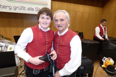 Foto des Albums: Früjhahrskonzert des Musikvereins Frohsinn Lindenberg und der Jugendkapelle Buchloe-Lindenberg 2016 (16.04.2016)