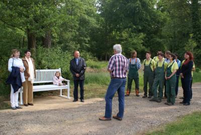 Fotoalbum Stifterbank im Schlosspark eingeweiht