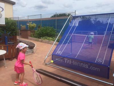 Fotoalbum Die neue Tennisballwand