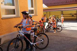 Foto des Albums: Fahrradprüfung Klasse 4 (17.07.2016)