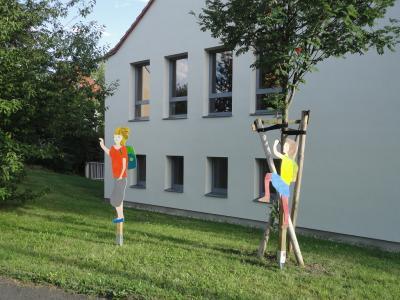 Fotoalbum Zu Fuß zur Schule