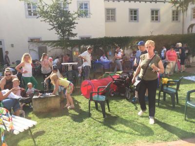 Fotoalbum Sommerfest und Flohmarkt im Hof vom Bugenhagenhaus