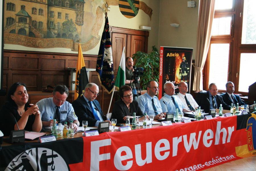 """Foto der Galerie: 2. Diskussionsforum """"Zukunft Ehrenamt - Feuerwehr 2020"""""""