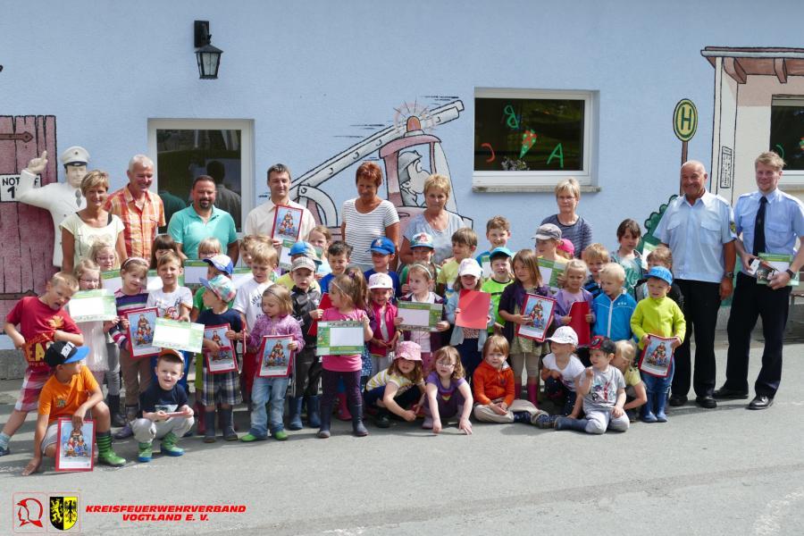 Foto der Galerie: Brandschutzerziehung für Kindergarten- und Grundschulkinder Kreisfeuerwehrverband Vogtland e. V. gibt Mal- und Vorleseheftes heraus