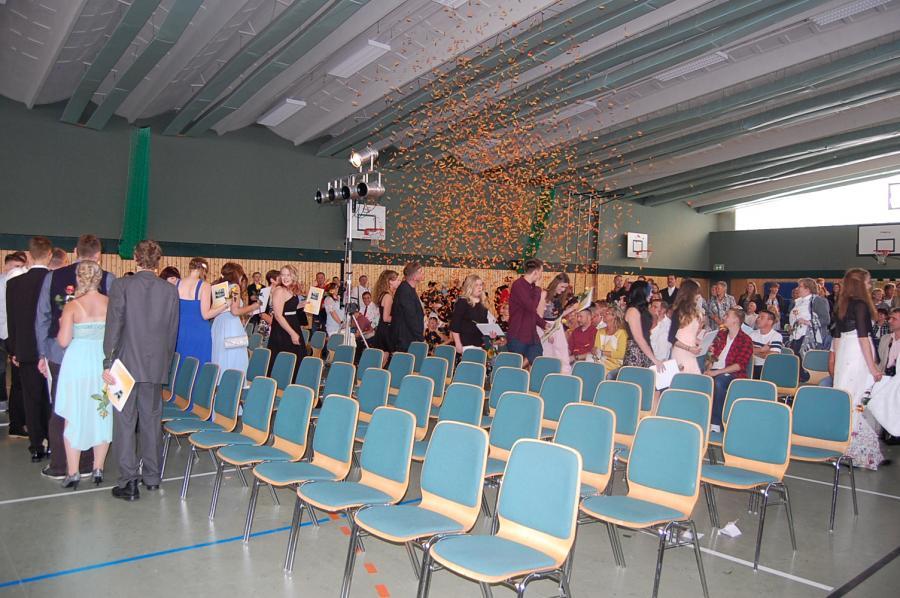 Foto der Galerie: feierliche Zeugnisübergabe Klassen 10a, b, PL10