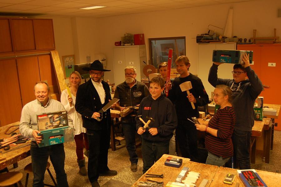 Foto der Galerie: Werkzeugspende der Zimmerei Spindler GmbH
