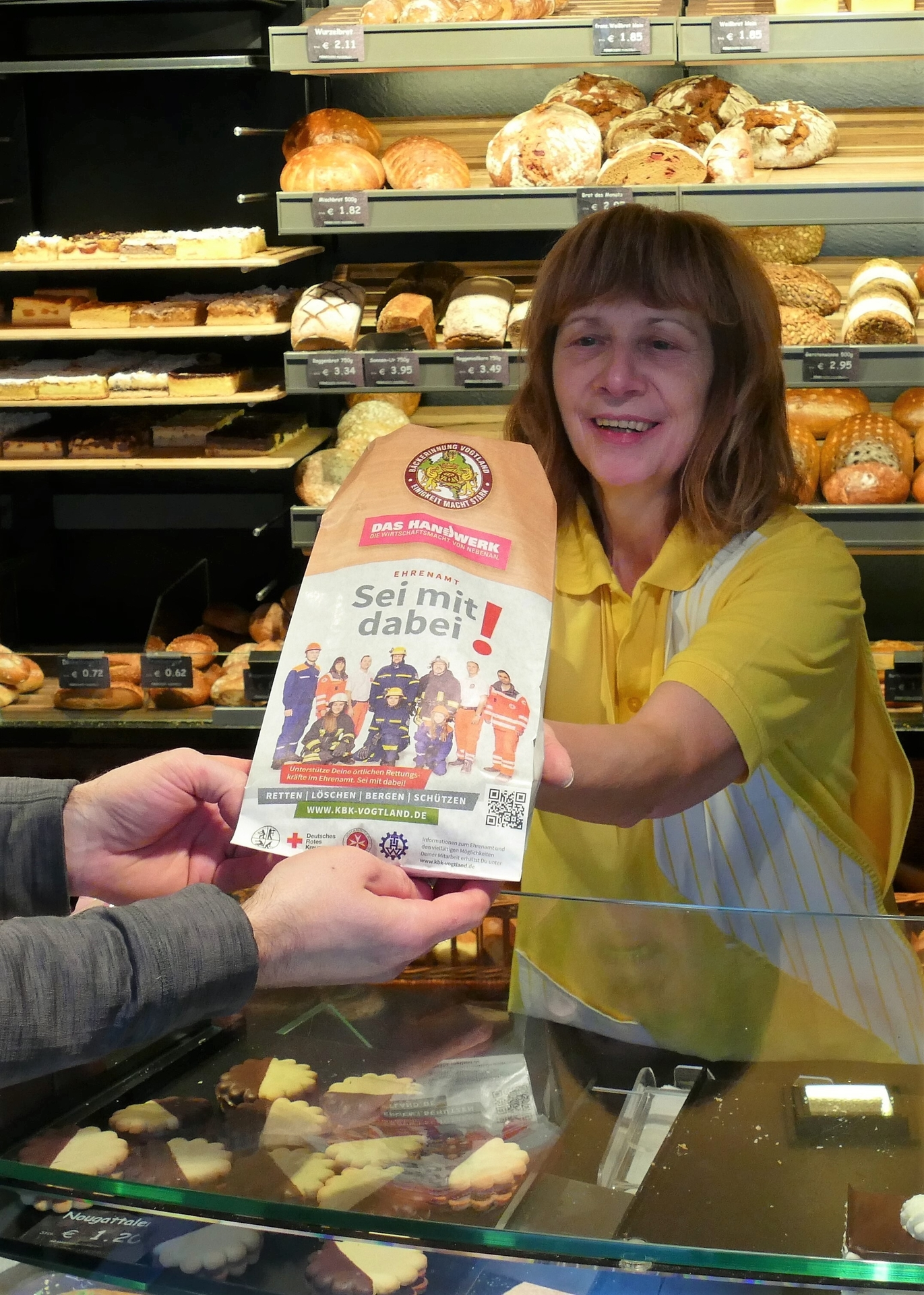 Foto der Galerie: Druckfrisch und Ofenwarm – Erste Bäckerbeutel der Kampagne wandern über die Ladentheken