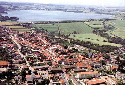 Stadt Kelbra und Blick auf den Stausee