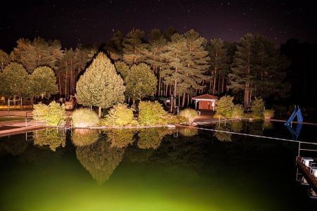 Waldbad Borkheide bei Nacht