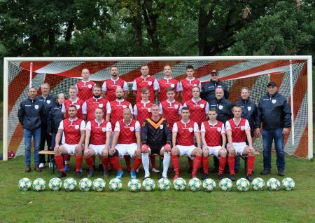 Fußballmannschaft des SV04 2020